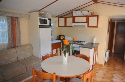 Location Calypso  2ch coin séjour cuisine